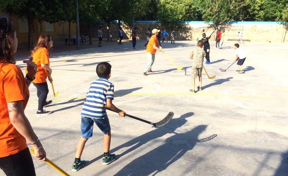 """Sis joves s'incorporen a la Brigada Jove de l'Ajuntament per donar suport al projecte """"Juguem?"""""""