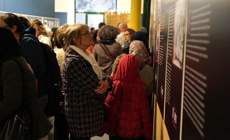 """S'inaugura l'exposició """"8 de març, dones treballadores"""" al Museu de l'Aigua amb èxit d'assistents"""