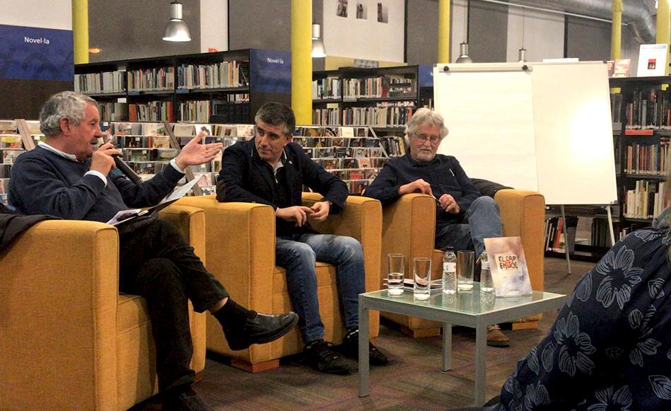 """L'artista saltenc, Lluís Mateu, presenta """"El cap en joc"""" un llibre molt personal que parla de la història de la seva família en temps de guerra."""