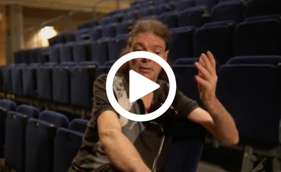 """Adrià Puntí: """"Faré servir els recursos teatrals per explicar el procés creatiu d'un artista que passa de l'emoció a la bogeria controlada"""""""