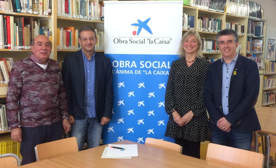 """L'institut Vallvera potencia l'hàbit de la lectura de 400 estudiants amb la col·laboració de l'Obra Social """"la Caixa"""" i l'Ajuntament"""