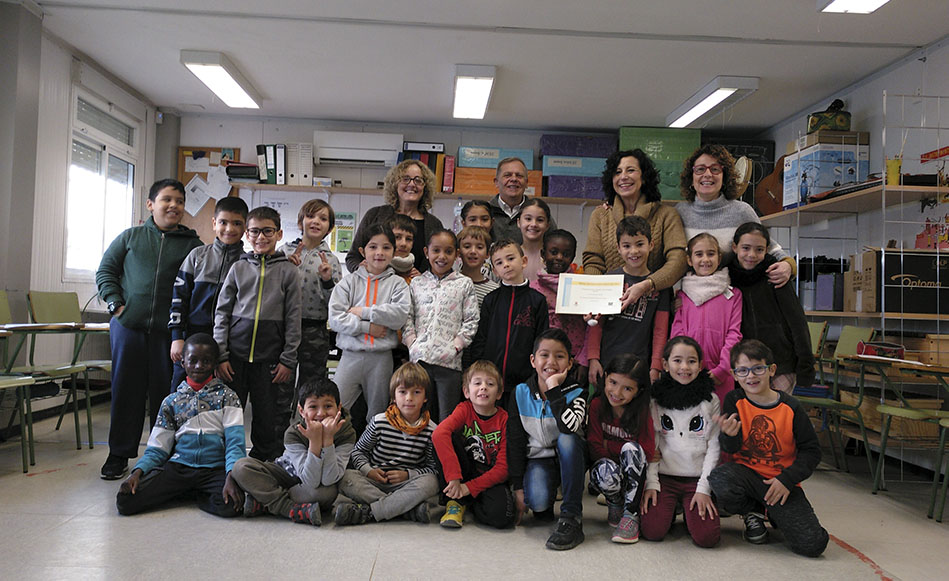 L'escola Les Arrels i l'Institut   Salvador Sunyer reben els premis dels projectes d'Aprenentatge i Servei de les escoles