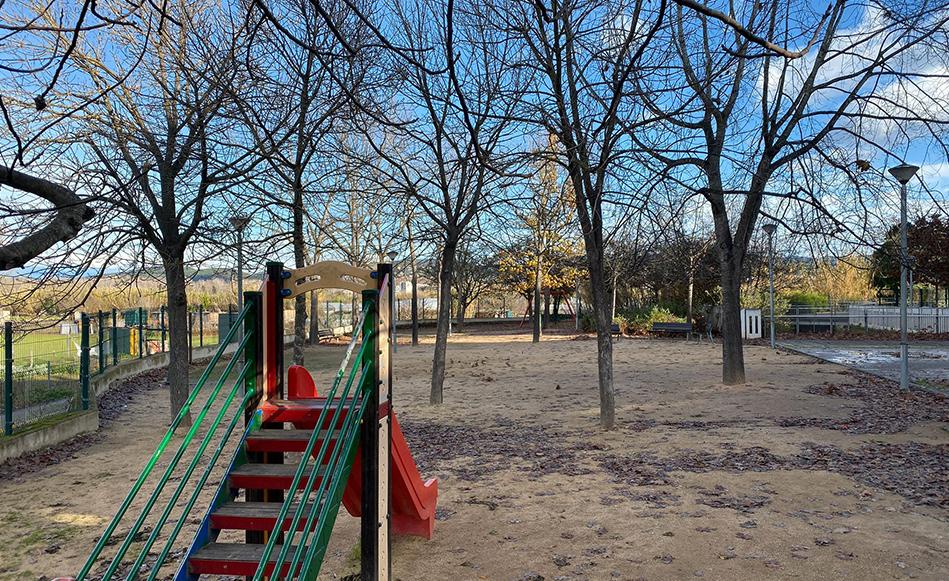 L'Ajuntament de Salt treballa amb els veïns i veïnes la millora del Parc de les Filadores i el seu entorn