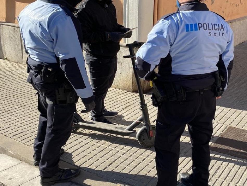 La Policia Local de Salt intensifica el control dels patinets elèctrics