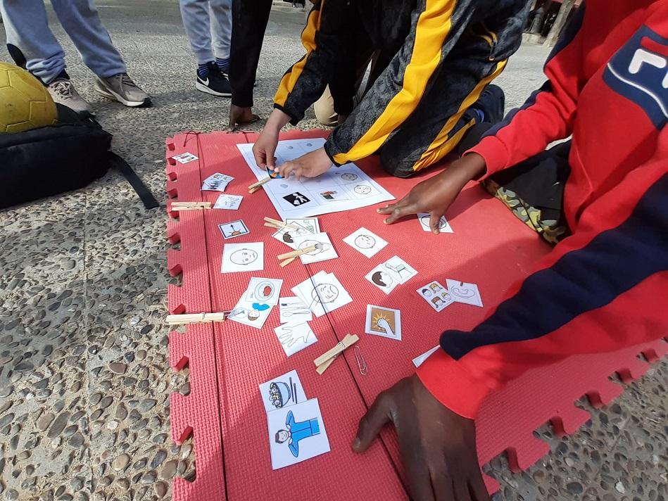Salt commemora el Dia Internacional de l'Autisme amb activitats socioeducatives al carrer
