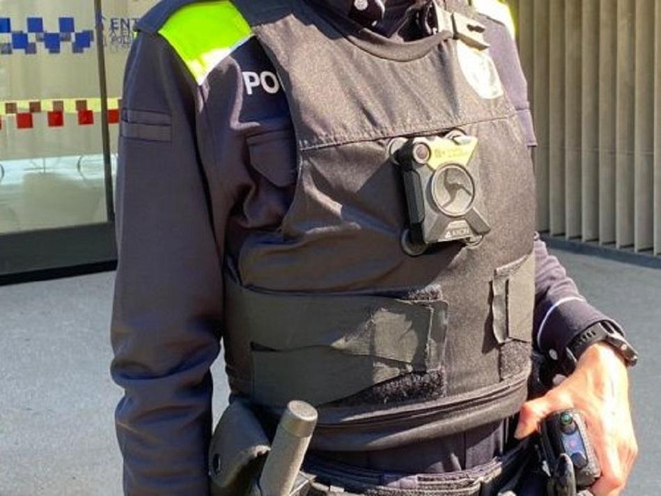 La Policia Local de Salt incorpora tres noves càmeres corporals